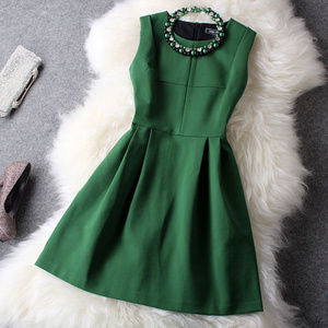 Dresses & Skirts - Green Dress with necklace